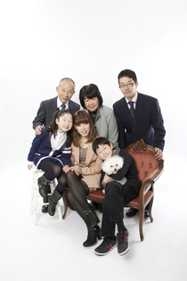 奈良のフォトスタジオで撮影する 家族写真