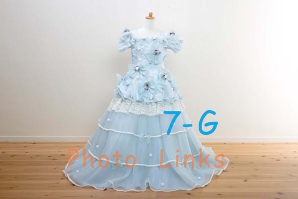 女の子には根強い人気のあるブルーのドレス大き目のリボンがキュート