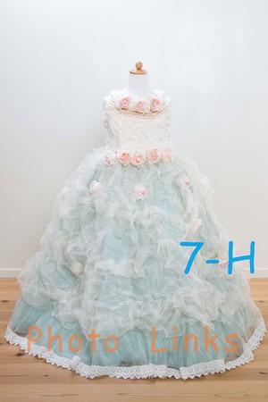 水色にシフォン生地が巻かれたドレス 120cm