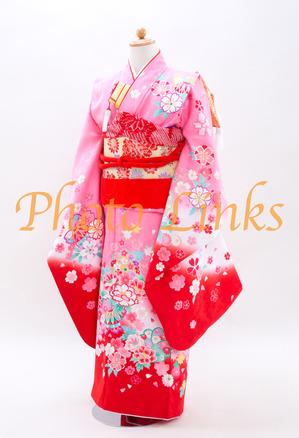 四つ身 7歳 七五三 女子着物伝統的でクラシカルな柄のピンク色の着物